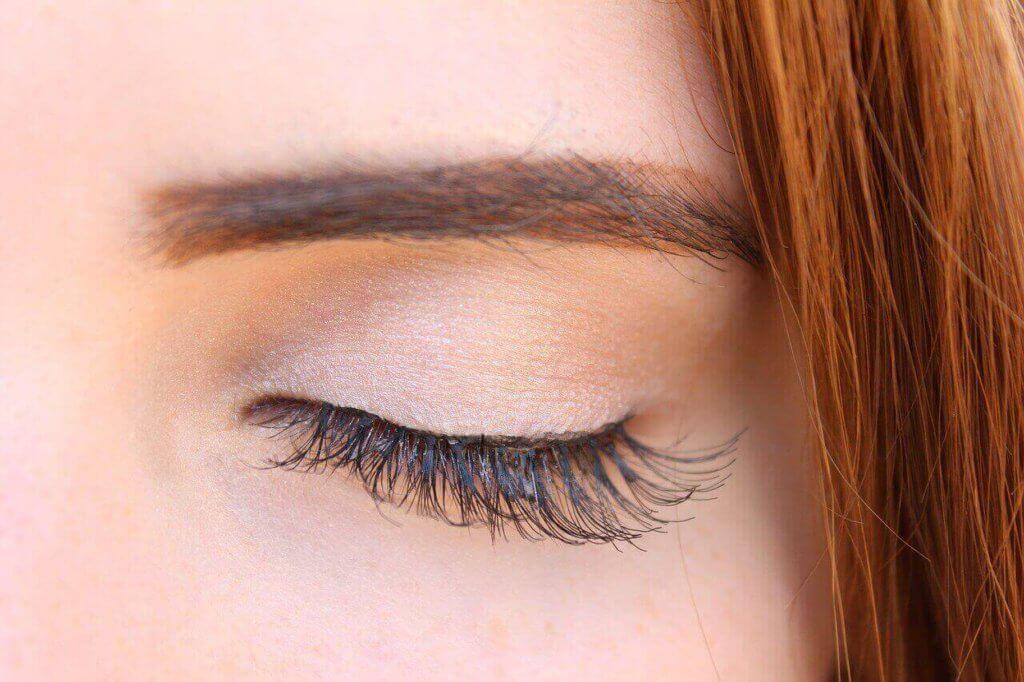 Makijaż Rozświetlający Jak Osiągnąć Subtelny Efekt Kosmetyki